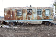 Free Old Grunge Trailer With Windows Royalty Free Stock Image - 5682276