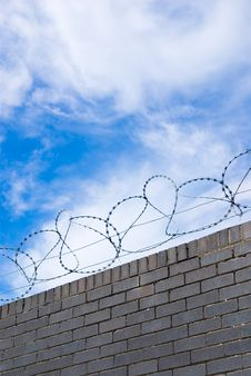 Free Barbed Wire Royalty Free Stock Photo - 5683275