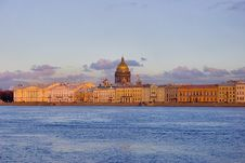 Free Sunset Above Neva River And Isaak Cathedral Stock Photography - 5684272
