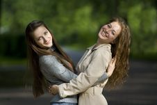 Free Two Smilling Girlfriends Royalty Free Stock Photography - 5688247