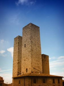 Free Towers Of  San Gimignano Royalty Free Stock Images - 56880379