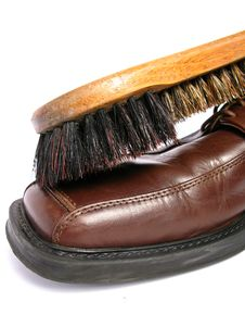 Free Clean Brush And Brown Men Shoe Stock Image - 5691341