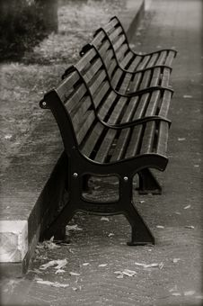 Free Park Bench Royalty Free Stock Photography - 5693527