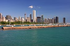 Free Chicago S Skyline On A Clear Day Royalty Free Stock Photos - 5694878