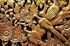 Free Golden Wood Carvings Royalty Free Stock Photos - 5694988