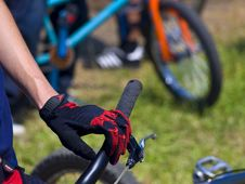 Free Hand On The Handlebar Royalty Free Stock Photography - 5695707
