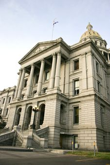 Free Capitol State Building Royalty Free Stock Photography - 5699547