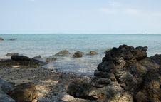 Free Beach With Big Stones Royalty Free Stock Photos - 570838