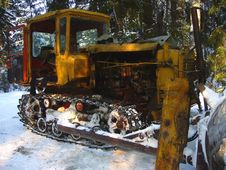 Free Old Rusted Snowcat Royalty Free Stock Photo - 573265