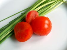 Free Tomatos And Chive Royalty Free Stock Photography - 573577