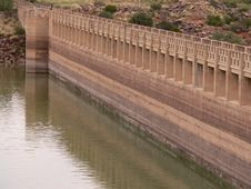 Free Dam Wall Stock Photography - 575642