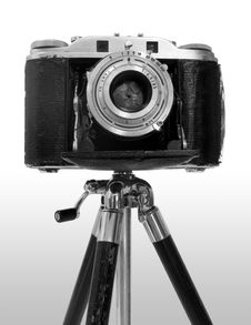 Free Vintage Camera On Tripod Stock Photography - 575692