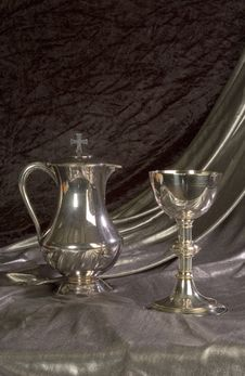 Free Chalice And Ewer - Verticle Royalty Free Stock Image - 579256