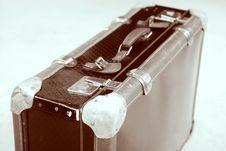 Free Retro Suitcase Royalty Free Stock Photos - 5700208
