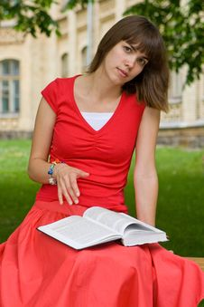 Free A College Girl Royalty Free Stock Photography - 5703257