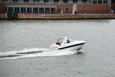 Free Speed Boat Royalty Free Stock Images - 5705869