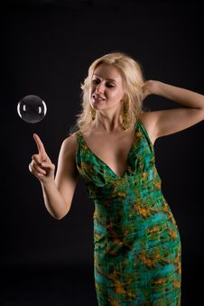 Free Girl With Bubble Royalty Free Stock Images - 5707609