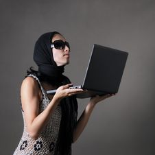 Free Woman With Laptop Stock Photos - 5708483