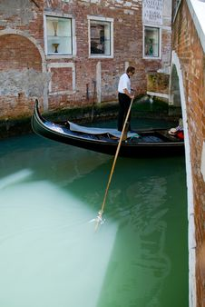 Free Venetian Gondolier Stock Image - 5708691
