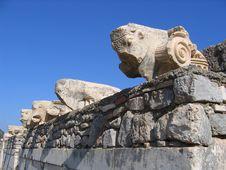 Free Beautiful Carvings On Wall - Ephesus Royalty Free Stock Photos - 5710878