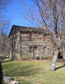 Free Old Log Cabin - Tennessee Royalty Free Stock Images - 5711459