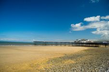 Free The Peaceful Beach And The Pier Stock Photos - 5711533