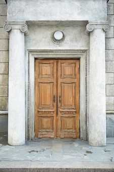 Free Old Door Royalty Free Stock Photography - 5713287