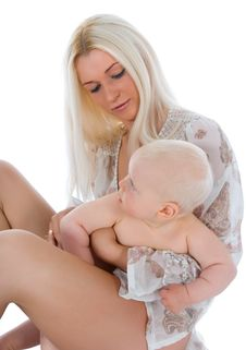 Free Happy Mother With Baby Royalty Free Stock Photography - 5715127