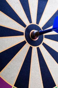 Free Magnetic Dart Board With Darts Stock Image - 5716651