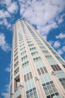 Free Skyscraper On Cloudy Sky Royalty Free Stock Photography - 5721147