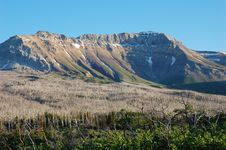 Free Mountains And Hillside Forests Royalty Free Stock Images - 5723499