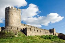 Free Fortress On A Hill Royalty Free Stock Photo - 5727095