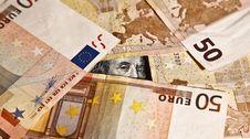 Free Franklin Surround With Euros Royalty Free Stock Photos - 5728218