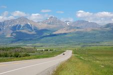 Free Highway And Mountains Stock Images - 5728334