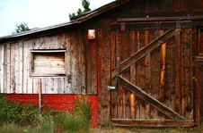 Free Old Barn Door 5 Royalty Free Stock Images - 5729679
