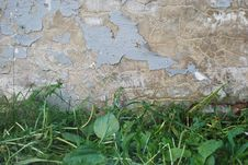 Free The Cracked Wall Royalty Free Stock Photos - 5730518