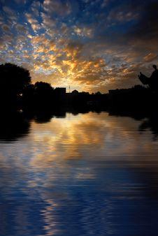 Free Morning Sunrise On Water Surfa Stock Photos - 5732233