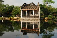 The Pavilion By The Garden Pond Royalty Free Stock Images
