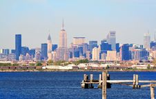 Free Manhattan Skyline And Pilings Stock Images - 5736694