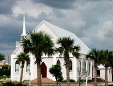 Free Palm Surrounded Church Stock Photos - 5738273