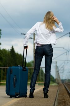Free Young Lady Waiting A Train Royalty Free Stock Photos - 5739268