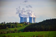 Free Nuclear Power Plant 3 Stock Photo - 5743160