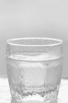 Free Glass Of Water Background 05 Royalty Free Stock Images - 5744189
