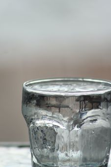 Free Glass Of Water Background 07 Royalty Free Stock Photos - 5744278