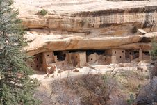 Free Cliff Dwelling Stock Images - 5746274