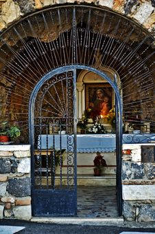 Free Old Italian Chapel Royalty Free Stock Image - 5746766