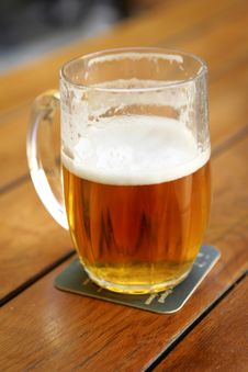 Free Half-full Beer Royalty Free Stock Photos - 5747008