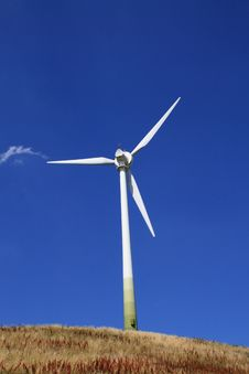 Free Windturbine Royalty Free Stock Image - 5747676
