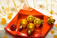 Free Golden Christmas Balls Royalty Free Stock Photo - 5748785