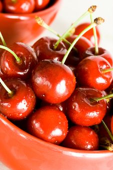 Free Fresh Cherry In Bowl Royalty Free Stock Image - 5749266